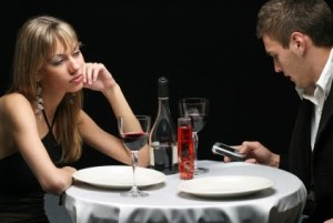 13-bad-cell-phone-habits-that-were-all-guilty-of-doing-at-one-point-or-another