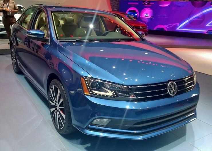 2015-Volkswagen-Jetta-Front