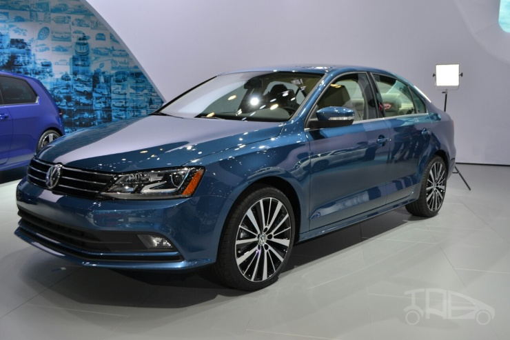 2016-Volkswagen-Jetta-TDI-GLI-CC-wagon-8